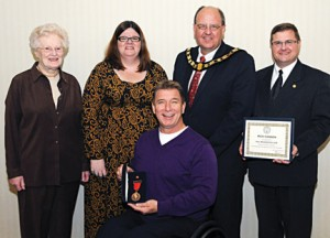 Diane Rogers, Arlene Grey, National President Dave Ronson and Sean Thompson with Rick Hansen, HRF